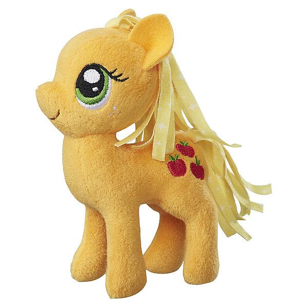 Мягкая игрушка Hasbro My little Pony Маленькие плюшевые пони, Эпплджек 13 смМягкие игрушки из мультфильмов<br>Характеристики товара:<br><br>• возраст: от 3 лет;<br>• материал: плюш;<br>• размер упаковки: 9х21х31 см;<br>• вес: 260 гр;<br>•высота игрушки: 30 см;<br>•страна бренда: США;<br>• бренд: Hasbro.<br><br>Новая серия плюшевых игрушек от My Little Pony понравится каждой любительнице одноименного мультипликационного фильма. Плюшевая пони из этой серии Эпл Джек готова разделить все игровые идеи девочек.<br><br>Эпл Джек - это бойкая пони с пышной желтой гривой. Игрушка детально повторяет свой мультипликационный прототип. У нее большие зеленые глазки и олицетворяющий её значок с изображением трёх яблок на бедре. <br><br>У игрушки подвижные конечности, что позволяет воплощать различные идеи ребенка в жизнь. Изделие выполнено из высококачественных материалов в яркой цветовой гамме с возможностью машинной стирки.<br><br>Игрушку «Маленькие плюшевые пони My Little Pony» Эпл Джек можно купить в нашем интернет-магазине.<br><br>Ширина мм: 102<br>Глубина мм: 102<br>Высота мм: 127<br>Вес г: 39<br>Возраст от месяцев: 36<br>Возраст до месяцев: 2147483647<br>Пол: Женский<br>Возраст: Детский<br>SKU: 7140852
