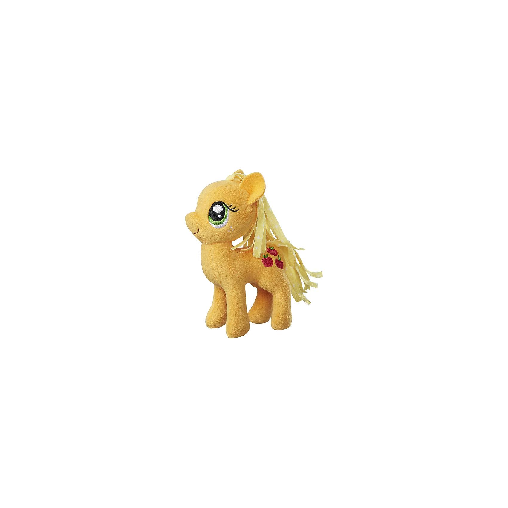 Мягкая игрушка Hasbro My little Pony Маленькие плюшевые пони, Эпплджек 13 смЛюбимые герои<br><br><br>Ширина мм: 102<br>Глубина мм: 102<br>Высота мм: 127<br>Вес г: 39<br>Возраст от месяцев: 36<br>Возраст до месяцев: 2147483647<br>Пол: Женский<br>Возраст: Детский<br>SKU: 7140852