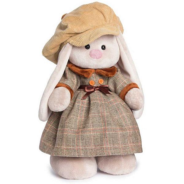 Зайка Ми Лондон девочка большаяМягкие игрушки зайцы и кролики<br>Характеристики товара:<br><br>• возраст: от 3 лет;<br>• материал: текстиль, искусственный мех;<br>• высота игрушки: 32 см;<br>• размер упаковки: 34х20х17 см;<br>• вес упаковки: 666 гр.;<br>• страна производитель: Россия.<br><br>Мягкая игрушка «Зайка Ми Лондон» Budi Basa — очаровательный пушистый зайчонок с длинными ушками. Зайка Ми одета в шерстяное платье в бархатным воротником и манжетами. На голове у нее вельветовая кепка. Игрушка выполнена из качественного безопасного материала, настолько приятного и мягкого, что ребенок будет брать с собой зайку в кроватку и спать в обнимку.<br><br>Мягкую игрушку «Зайка Ми Лондон» Budi Basa можно приобрести в нашем интернет-магазине.<br><br>Ширина мм: 34<br>Глубина мм: 20<br>Высота мм: 17<br>Вес г: 666<br>Возраст от месяцев: 36<br>Возраст до месяцев: 84<br>Пол: Женский<br>Возраст: Детский<br>SKU: 7143460
