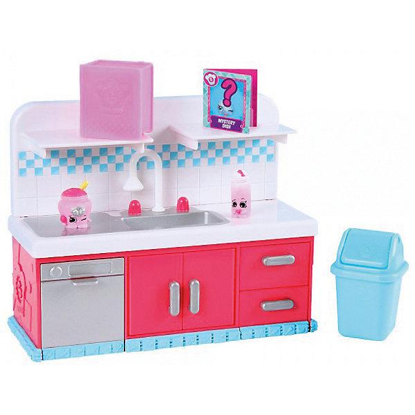 Игровой набор Moose Shopkins Chef Club, Посудомоечная машинаИгровые наборы с фигурками<br>Характеристики товара:<br><br>• возраст: от 5 лет;<br>• материал: пластик;<br>• упаковка: картонная коробка;<br>• размер упаковки: 25х23х9 см.;<br>• вес: 960 гр.;<br>• наименование бренда, страна бренда: Moose (Мус), Австралия;<br>• страна изготовитель: Китай.<br><br>Набор «Кулинарный клуб. Кухня (мебель)» Shopkins - это большой игровой набор из 2-ух ярких фигурок очаровательных персонажей и комплекта мебели для кухни из серии «Кулинарный клуб» популярной линии детских игрушек от знаменитого бренда Moose. <br><br>В комлект входит 2 фигурки, кухонный гарнитур с раковиной и полочками, мусорное ведро с качающейся крышкой, кулинарную книгу, в которой можно хранить фигурки, и карточку с рецептом. Все эти аксессуары помогут девочкам стать настоящими хозяйками на своей собственной кухне.<br><br>Из маленьких пластиковых фигурок можно собирать большую коллекцию и придумывать различные интересные сюжеты для игры с ними. Фигурки «Shopkins» изготовлены из высококачественных материалов, безопасных для детского здоровья. <br><br>Набор «Кулинарный клуб. Кухня (мебель)» Shopkins, Moose (Мус) можно купить в нашем интернет-магазине.<br>Ширина мм: 250; Глубина мм: 90; Высота мм: 230; Вес г: 960; Возраст от месяцев: 60; Возраст до месяцев: 2147483647; Пол: Женский; Возраст: Детский; SKU: 7143848;