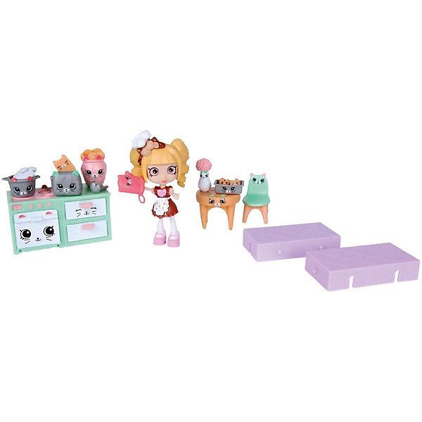 Игровой игровой Moose Shopkins Счастливые места Кухня КиттиКуклы<br>Характеристики товара:<br><br>• возраст: от 5 лет;<br>• комплект: 1 кукла, 13 фигурок;<br>• материал: пластик;<br>• упаковка: коробка блистерного типа;<br>• размер упаковки: 20х27,5х4 см.;<br>• вес: 230 гр.;<br>• наименование бренда, страна бренда: Moose (Мус), Австалия;<br>• страна изготовитель: Китай.<br><br>Игровой набор «Кухня Китти» Happy Places от торговой марки Moose состоит из множества ярких предметов и позволяет воссоздавать сюжеты из жизни дома и семьи. Игрушечные плита с духовкой и шкафчиками, мебель, посуда, ваза с цветами, тостер и рукавичка порадует своим дизайном поклонниц мультфильма Shopkins, ведь на них изображены лица персонажей сериала. У фигурки девочки двигаются ручки и ножки, поэтому она может принимать разные игровые позы.  <br><br>Очаровательный комплект, включающий в себя эксклюзивные фигурки и аксессуары, с помощью которых малышка вовлечется в увлекательную и познавательную игру. <br><br>Из маленьких пластиковых фигурок Petkins можно собирать большую коллекцию и придумывать различные интересные сюжеты для игры с ними. Отличное решение для развлечения с ребенком во время досуга.<br><br>Игры с фигурками прекрасно развивают мелкую моторику рук, внимательность, образное мышление, познавательный интерес, обогащают словарный запас.<br><br>Игровой набор «Кухня Китти» Happy Places ,  Moose (Мус) можно купить в нашем интернет-магазине.<br>Ширина мм: 250; Глубина мм: 63; Высота мм: 250; Вес г: 450; Возраст от месяцев: 60; Возраст до месяцев: 2147483647; Пол: Женский; Возраст: Детский; SKU: 7143872;