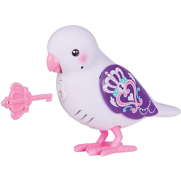 Интерактивная птичка Moose Little Live Pets Princess Whispers, белая (звук, запись)Интерактивные животные<br>Характеристики товара:<br><br>• возраст: от 5 лет;<br>• материал: пластик;<br>• тип батареек: 2 батарейки ААА;<br>• наличие батареек: в комплект не входят;<br>• размер упаковки: 22х14х5,5 см;<br>• вес упаковки: 140 гр.;<br>• страна производитель: Китай.<br><br>Интерактивная птичка Moose Little Live Pets Princess Whispers — интерактивная игрушка в виде птички с яркими разноцветными крылышками. Если погладить птичку, то она запоет. Если гладить ее некоторое время, то зазвучит мелодия. Птичка умеет запоминать и повторять сказанные фразы. Нужно просто нажать кнопочку у нее на груди. Кроме этого, в комплекте с птичкой необычный ключик. Ребенок может записать секретную фразу, которую птичка произнесет, только если повернуть ключик. Игрушка выполнена из качественных материалов.<br><br>Интерактивную птичку Moose Little Live Pets Princess Whispers можно приобрести в нашем интернет-магазине.<br><br>Ширина мм: 140<br>Глубина мм: 55<br>Высота мм: 220<br>Вес г: 140<br>Возраст от месяцев: 60<br>Возраст до месяцев: 120<br>Пол: Унисекс<br>Возраст: Детский<br>SKU: 7144242
