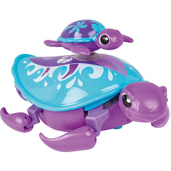 Интерактивная игрушка Moose Little Live Pets Черепашка с малышом, фиолетоваяИнтерактивные животные<br>Характеристики товара:<br><br>• возраст: от 5 лет;<br>• материал: пластик;<br>• в комплекте: 2 черепашки;<br>• тип батареек: 1 батарейка ААА;<br>• наличие батареек: в комплект не входят;<br>• размер упаковки: 22х18х5 см;<br>• вес упаковки: 166 гр.;<br>• страна производитель: Китай.<br><br>Интерактивная черепашка с малышом Moose Little Live Pets фиолетовая — удивительная черепашка с ярким разноцветным панцирем. На панцире черепашки-мамы катается ее малыш. Он крепится на панцирь с помощью присоски. Черепашка умеет не только двигаться по суше, но и плавать на воде, передвигая лапками. Игрушка выполнена из качественных безопасных материалов.<br><br>Интерактивную черепашку с малышом Moose Little Live Pets фиолетовую можно приобрести в нашем интернет-магазине.<br>Ширина мм: 180; Глубина мм: 50; Высота мм: 220; Вес г: 166; Возраст от месяцев: 60; Возраст до месяцев: 120; Пол: Унисекс; Возраст: Детский; SKU: 7144247;
