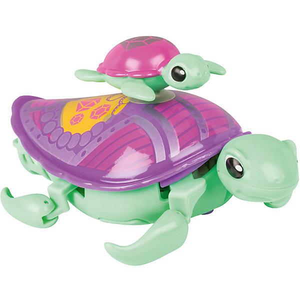 Интерактивная игрушка Moose Little Live Pets Черепашка с малышом, салатоваяИнтерактивные животные<br>Характеристики товара:<br><br>• возраст: от 5 лет;<br>• материал: пластик;<br>• в комплекте: 2 черепашки;<br>• тип батареек: 1 батарейка ААА;<br>• наличие батареек: в комплект не входят;<br>• размер упаковки: 22х18х5 см;<br>• вес упаковки: 166 гр.;<br>• страна производитель: Китай.<br><br>Интерактивная черепашка с малышом Moose Little Live Pets зеленая — удивительная черепашка с ярким разноцветным панцирем. На панцире черепашки-мамы катается ее малыш. Он крепится на панцирь с помощью присоски. Черепашка умеет не только двигаться по суше, но и плавать на воде, передвигая лапками. Игрушка выполнена из качественных безопасных материалов.<br><br>Интерактивную черепашку с малышом Moose Little Live Pets зеленую можно приобрести в нашем интернет-магазине.<br>Ширина мм: 180; Глубина мм: 50; Высота мм: 220; Вес г: 166; Возраст от месяцев: 60; Возраст до месяцев: 120; Пол: Унисекс; Возраст: Детский; SKU: 7144248;