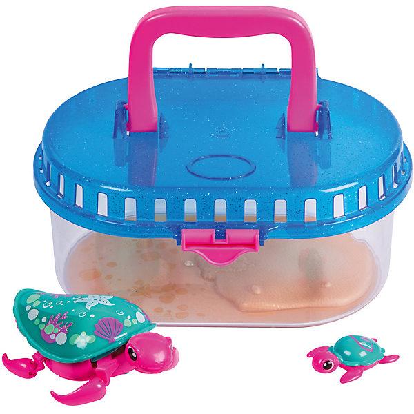 Интерактивная игрушка Moose Little Live Pets Черепашка с малышом в аквариумеИнтерактивные животные<br>Характеристики товара:<br><br>• возраст: от 5 лет;<br>• материал: пластик;<br>• в комплекте: 2 черепашки, аквариум;<br>• тип батареек: 1 батарейка ААА;<br>• наличие батареек: в комплект не входят;<br>• размер упаковки: 23,5х20,5х18 см;<br>• вес упаковки: 640 гр.;<br>• страна производитель: Китай.<br><br>Интерактивная черепашка с малышом Moose Little Live Pets в аквариуме — удивительная черепашка с ярким разноцветным панцирем. На панцире черепашки-мамы катается ее малыш. Он крепится на панцирь с помощью присоски. Черепашка умеет не только двигаться по суше, но и плавать на воде, передвигая лапками. Для черепашки в комплекте предусмотрен аквариум, который можно наполнить водой и запустить туда игрушку. Аквариум оснащен ручкой, позволяющей брать его с собой в гости или на прогулку. Игрушка выполнена из качественных безопасных материалов.<br><br>Интерактивную черепашку с малышом Moose Little Live Pets в аквариуме можно приобрести в нашем интернет-магазине.<br><br>Ширина мм: 235<br>Глубина мм: 180<br>Высота мм: 205<br>Вес г: 640<br>Возраст от месяцев: 60<br>Возраст до месяцев: 120<br>Пол: Унисекс<br>Возраст: Детский<br>SKU: 7144249