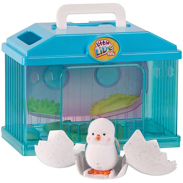 Интерактивная игрушка Moose Little Live Pets Цыпленок в яйце с домикомИнтерактивные животные<br>Характеристики товара:<br><br>• возраст: от 5 лет;<br>• материал: пластик;<br>• в комплекте: цыпленок, скорлупа, домик;<br>• тип батареек: 3 батарейки Button Cell;<br>• наличие батареек: в комплекте;<br>• размер упаковки: 23,5х29х13,5 см;<br>• вес упаковки: 750 гр.;<br>• страна производитель: Китай.<br><br>Интерактивный цыпленок Moose Little Live Pets с домиком — забавный цыпленок, за которым можно наблюдать, как он вылупляется из скорлупы. Сначала он бьет по яйцу, которое раскрывается, а затем издает писк. Как только он освободится из скорлупы, цыпленок начинает прыгать. Если погладить цыпленка по голове, то он запищит. Если же гладить его длительное время, то ребенок услышит мелодию. После игры цыпленок засыпает. Проживает цыпленок в домике. Домик оснащен ручкой, благодаря чему его можно брать с собой в гости или на прогулку. Игрушка выполнена из качественных безопасных материалов.<br><br>Интерактивного цыпленка Moose Little Live Pets с домиком можно приобрести в нашем интернет-магазине.<br>Ширина мм: 235; Глубина мм: 135; Высота мм: 290; Вес г: 750; Возраст от месяцев: 60; Возраст до месяцев: 120; Пол: Унисекс; Возраст: Детский; SKU: 7162559;