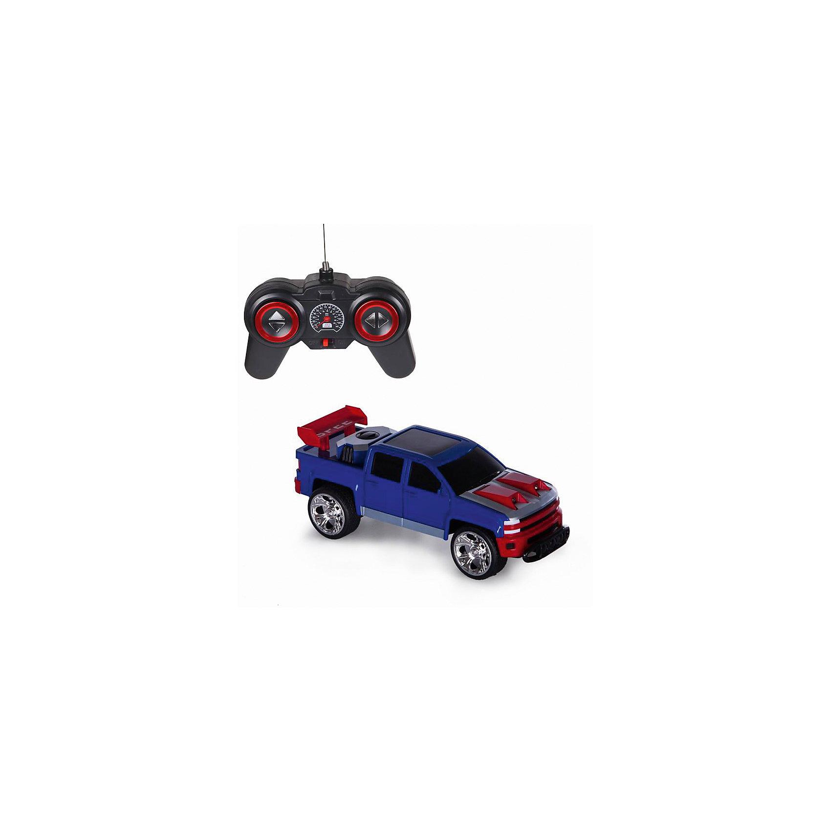 Радиоуправляемая машинка Yako Toys АвтоТаранРадиоуправляемые машины<br>Радиоуправляемая машинка АвтоТаран работает от аккумулятора, который легко подзарядить от системы питания. Большие колеса позволяют данной модели преодолевать небольшие препятствия. Машинка легко управляется с помощью пульта, с которым очень просто разобраться. Автомобиль маневренный, с легкостью движется и поворачивает влево, вправо, назад, вперед.<br><br>Ширина мм: 320<br>Глубина мм: 140<br>Высота мм: 150<br>Вес г: 800<br>Возраст от месяцев: 36<br>Возраст до месяцев: 72<br>Пол: Мужской<br>Возраст: Детский<br>SKU: 7172273