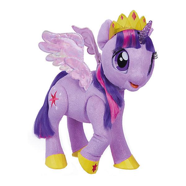 Интерактивная игрушка Hasbro My little Pony Сияние, Твайлат Спаркл (Искорка)Интерактивные животные<br>Характеристики товара:<br><br>• возраст: от 3 лет;<br>• материал: пластик, текстиль;<br>• тип батареек: 4 батарейки типа С;<br>• наличие батареек: в комплект не входят;<br>• размер упаковки: 50,8х44,5х20,3 см;<br>• вес упаковки: 2,8 кг;<br>• страна производитель: Китай.<br><br>Интерактивная игрушка My Little Pony «Твайлайт Спаркл» - персонаж известного мультсериала для девочек про очаровательных пони. Сумеречная Искорка выглядит как в мультфильме. У нее мягкая фиолетовая шерстка, усыпанная искорками, крылышки, длинная грива и большие глаза с ресничками.<br><br>Пони выполняет разнообразные интерактивные функции. Она умеет произносить 90 фраз, петь песенки и рассказывать сказки. Искорка также может двигать крылышками, наклонять голову, моргать глазками, шевелить ногами. <br><br>Пони реагирует на прикосновения. Достаточно лишь погладить ее, коснуться рога или звездочек на ногах, как она оживет. Игрушка оснащена и световыми эффектами. При касании загораются рог и звездочки. В комплекте красивая тиара, которая дополняет образ очаровательной пони.<br><br>Интерактивную игрушку My Little Pony «Твайлайт Спаркл» можно приобрести в нашем интернет-магазине.<br><br>Ширина мм: 203<br>Глубина мм: 508<br>Высота мм: 445<br>Вес г: 2800<br>Возраст от месяцев: 36<br>Возраст до месяцев: 2147483647<br>Пол: Женский<br>Возраст: Детский<br>SKU: 7186010