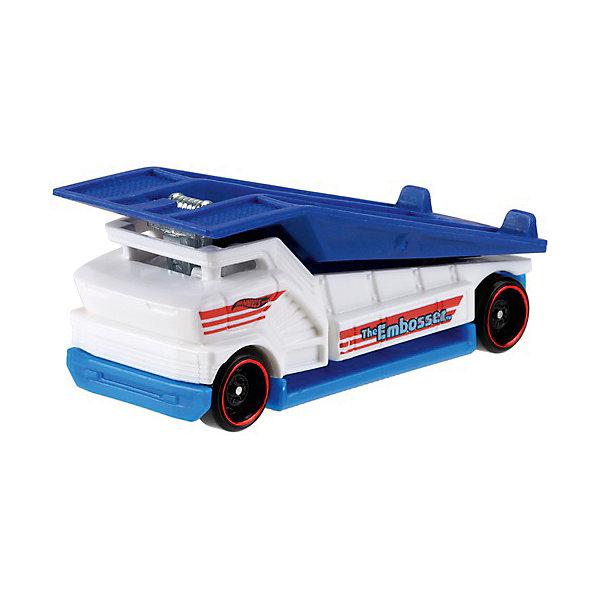 Базовая машинка Mattel Hot Wheels, The EmbosserМашинки<br>Характеристики:<br><br>• возраст: от 3 лет;<br>• материал: металл, пластмасса;<br>• вес упаковки: 30 гр.;<br>• размер упаковки: 11х4х11 см;<br>• тип упаковки: блистерный;<br>• страна бренда: США.<br><br>Автовоз Hot Wheels от Mattel входит в группу моделей базовой коллекции. Миниатюры этой серии изображают реальные автомобили, спорткары, фургоны, мотоциклы в масштабе 1:64, а также модели с собственным оригинальным дизайном. Собрав свою линейку машинок, ребенок сможет устраивать заезды, гонки и меняться экземплярами с друзьями.<br><br>Монолитные элементы игрушки увеличивают ее прочность. Падение и столкновение с твердыми предметами во время игр не отражается на внешнем виде и ходе машинки. Кузов отчетливо детализирован, покрыт стойкими насыщенными красками. Колеса легко вращаются вокруг своей оси.<br><br>Игрушка выполнена из качественных материалов, сертифицированных по стандартам безопасности для использования детьми.<br><br>Машинку Hot Wheels из базовой коллекции можно купить в нашем интернет-магазине.<br>Ширина мм: 110; Глубина мм: 45; Высота мм: 110; Вес г: 30; Возраст от месяцев: 36; Возраст до месяцев: 96; Пол: Мужской; Возраст: Детский; SKU: 7191281;