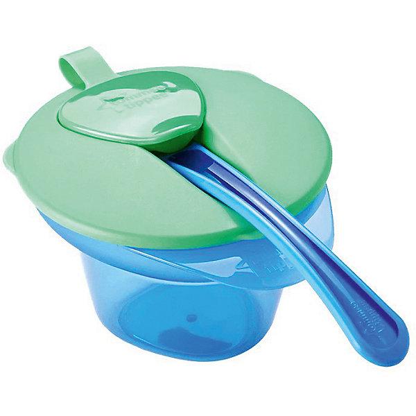 Тарелочка Tommee Tippee Explora зелено-голубойДетские тарелки<br>Характеристики:<br><br>• возраст: от 4 месяцев;<br>• материал: пластик;<br>• размер упаковки: 17х11,5х9,5 см;<br>• вес: 300 г;<br>• производитель: Tommee Tippee.<br><br>Детская тарелка с отделением для разминания и охлаждения пищи поможет начать прикорм малыша. На поверхности крышки есть отверстие для ложки, которое закрывается колпачком. Пластиковая посуда не бьется, поэтому ее можно безопасно давать детям.<br> <br>Специальное отделение для разминания пищи поможет охладить еду для нужной температуры. Тарелка продаётся в комплекте с герметичной крышкой и мягкой ложечкой для прикорма. Благодаря треугольному дну, кормление становится еще более комфортным.<br><br>Этой тарелочкой удобно пользоваться не только дома, но и брать ее с собой в поездки или в гости. <br><br>Прочные и легкие пластиковые тарелки имеют долгий срок службы. Такую посуду можно мыть в посудомоечной машине и греть в микроволновой печи.<br><br>Тарелочка с отделением для разминания и охлаждения пищи (розовая крышка), Tommee Tippee можно купить в нашем интернет-магазине.<br>Ширина мм: 110; Глубина мм: 125; Высота мм: 70; Вес г: 112; Цвет: зеленый; Возраст от месяцев: 4; Возраст до месяцев: 36; Пол: Унисекс; Возраст: Детский; SKU: 7196615;