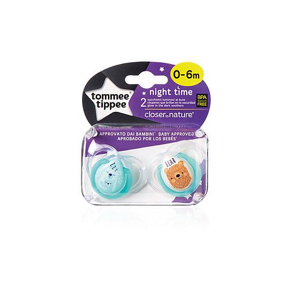 Силиконовые ночные пустышки Tommee Tippee Night Time Веселые животные 0-6 мес., 2 шт., бирюзовыеСиликоновые пустышки<br>Характеристики:<br><br>• возраст: 0+;<br>• материал: силикон, пластик;<br>• размер упаковки: 11х10х5 см;<br>• упаковка: бокс на картонной подложке;<br>• количество: 2 шт. в упаковке;<br>• особенности: не содержат Бисфенол А;<br>• производитель: Tommee Tippee.<br><br>Ортодонтические пустышки со светящимся в темноте колечком легко найти ночью. Пустышки повторяют форму нёба малыша, способствуя здоровому развитию ротовой полости ребенка. Пустышки «Tommee Tippee» разработаны совместно с ведущими врачами-стоматологами. В производстве используется медицинский силикон высшего качества.<br><br>Пустышки декорированы рисунками забавных животных, их удобно держать маленькими ручками. Благодаря уникальной форме пустышки легко мыть и стерилизовать.<br><br>В упаковке 2 шт.<br><br>Пустышки силиконовые, ночные «Веселые животные» 0-6 мес., 2 шт., (бирюзовые), Tommee Tippee можно купить в нашем интернет-магазине.<br>Ширина мм: 25; Глубина мм: 55; Высота мм: 50; Вес г: 22; Цвет: голубой; Возраст от месяцев: 0; Возраст до месяцев: 6; Пол: Унисекс; Возраст: Детский; SKU: 7196619;