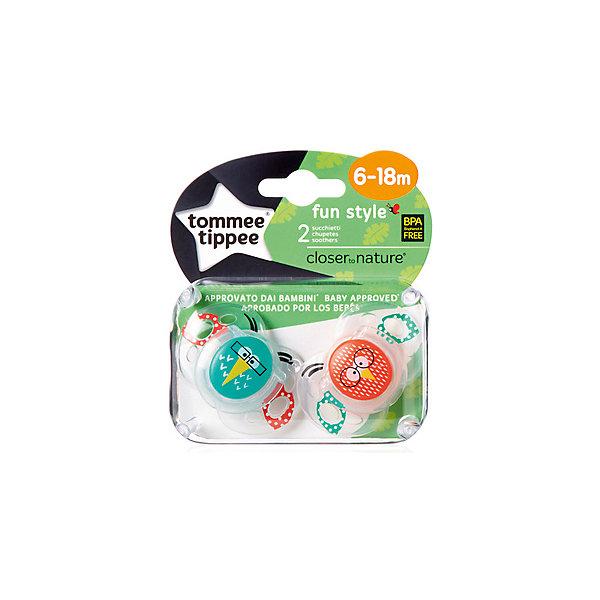Силиконовые пустышки Tommee Tippee AnyTime Сова 6-18 мес., 2 шт.Пустышки<br>Характеристики:<br><br>• возраст: 6+;<br>• материал: силикон, пластик;<br>• размер упаковки: 11,5х10х5,5 см;<br>• упаковка: блистер на картоне;<br>• количество: 2 шт. в упаковке;<br>• особенности: не содержат Бисфенол А;<br>• производитель: Tommee Tippee.<br><br>Силиконовые пустышки повторяют форму нёба малыша, способствуя здоровому развитию ротовой полости ребенка. Пустышки «AnyTime» разработаны совместно с ведущими врачами-стоматологами. В производстве используется медицинский силикон высшего качества.<br><br>Пустышки декорированы рисунками забавных животных, их удобно держать маленькими ручками. Благодаря уникальной форме пустышки легко мыть и стерилизовать.<br><br>В упаковке 2 шт.<br><br>Силиконовые пустышки «Веселые животные. Сова» AnyTime 6-18 мес., 2 шт., Tommee Tippee можно купить в нашем интернет-магазине.<br>Ширина мм: 25; Глубина мм: 55; Высота мм: 50; Вес г: 22; Цвет: синий; Возраст от месяцев: 6; Возраст до месяцев: 18; Пол: Унисекс; Возраст: Детский; SKU: 7196653;