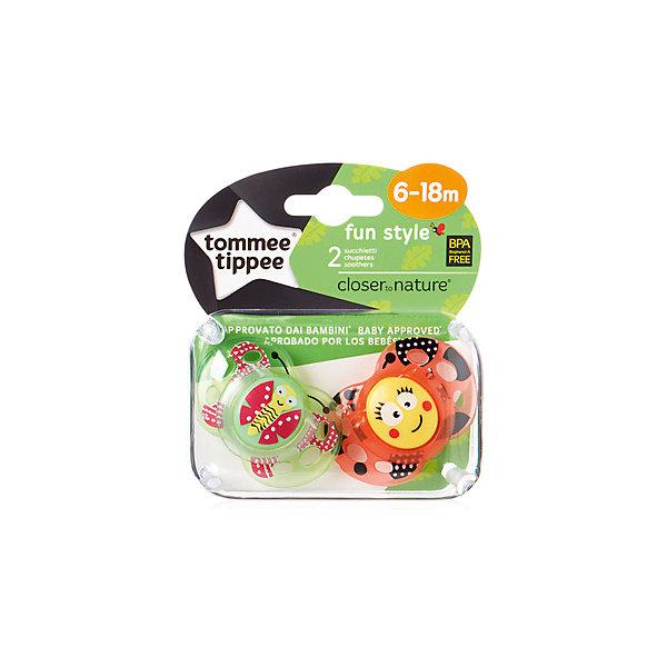 Силиконовые пустышки Tommee Tippee AnyTime Бабочка 6-18 мес., 2 шт.Силиконовые пустышки<br>Характеристики:<br><br>• возраст: 6+;<br>• материал: силикон, пластик;<br>• размер упаковки: 11,5х10х5,5 см;<br>• упаковка: блистер на картоне;<br>• количество: 2 шт. в упаковке;<br>• особенности: не содержат Бисфенол А;<br>• производитель: Tommee Tippee.<br><br>Силиконовые пустышки повторяют форму нёба малыша, способствуя здоровому развитию ротовой полости ребенка. Пустышки «AnyTime» разработаны совместно с ведущими врачами-стоматологами. В производстве используется медицинский силикон высшего качества.<br><br>Пустышки декорированы рисунками забавных животных, их удобно держать маленькими ручками. Благодаря уникальной форме пустышки легко мыть и стерилизовать.<br><br>В упаковке 2 шт.<br><br>Силиконовые пустышки «Веселые животные. Бабочка» AnyTime 6-18 мес., 2 шт., Tommee Tippee можно купить в нашем интернет-магазине.<br>Ширина мм: 25; Глубина мм: 55; Высота мм: 50; Вес г: 22; Цвет: коричневый; Возраст от месяцев: 6; Возраст до месяцев: 18; Пол: Унисекс; Возраст: Детский; SKU: 7196654;