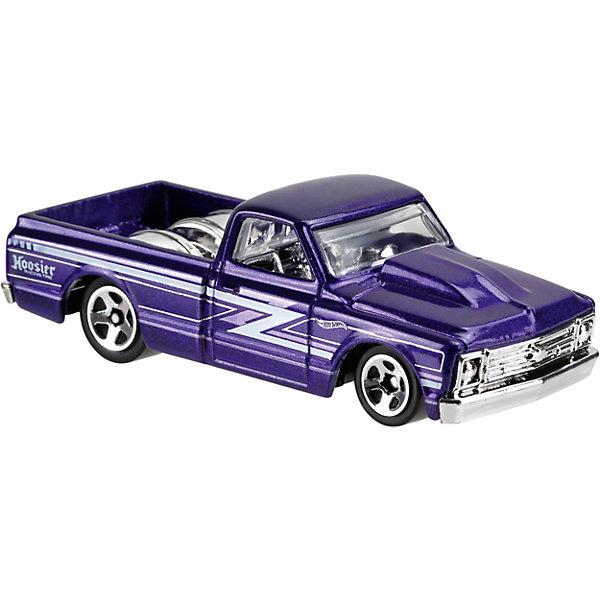 Базовая машинка Hot Wheels, 67 Chevy C10Популярные игрушки<br>Характеристики:<br><br>• возраст: от 3 лет;<br>• тип игрушки: легковой транспорт;<br>• цвет: фиолетовый;<br>• особенности: инерционная;<br>• материал: пластик, металл; <br>• размер: 11х4,5х11 см;<br>• вес: 30 гр;<br>• страна бренда: США;<br>• страна производитель: Китай;<br>• тип упаковки: блистер на картоне;<br>• эффекты: без эффектов.<br><br><br>Машинка Hot Wheels  от бренда Mattel представляет собой авто с открытым кузовом, которое станет достойным пополнением автопарка мальчика. Легендарная серия коллекционных машинок завоевала внимание всех детей. Быстрые и красочные  машинки Hot Wheels выглядят очень ярко и эффектно благодаря оригинальному дизайну. Они выполнены из металла и пластика, что гарантирует прочность и устойчивость к столкновениям. <br><br>Машинка раскрашена в фиолетовый цвет. Автомобиль создан из проверенных и безопасных материалов. Его особенность – открытый кузов. Игрушка выполнена в мельчайших деталях и тщательно прорисована.<br><br>Стильная игрушка станет отличным подарком для ребенка от трех лет. Кроме того, малыш сможет собрать целую коллекцию этих популярных машинок и обмениваться ими с друзьями. Машинка Hot Wheels  во время гонки не оставит равнодушным ни одного мальчика. <br><br>Машинку Hot Wheels  из базовой коллекции можно купить в нашем интернет-магазине.<br><br>Ширина мм: 110<br>Глубина мм: 45<br>Высота мм: 110<br>Вес г: 30<br>Возраст от месяцев: 36<br>Возраст до месяцев: 96<br>Пол: Мужской<br>Возраст: Детский<br>SKU: 7198097