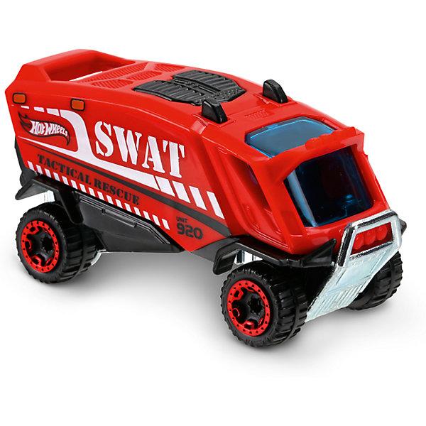 Базовая машинка Hot Wheels, Aero PodМашинки<br>Характеристики:<br><br>• возраст: от 3 лет;<br>• тип игрушки: легковой транспорт;<br>• цвет: красный;<br>• особенности: инерционная;<br>• материал: пластик, металл; <br>• размер: 11х4,5х11 см;<br>• вес: 30 гр;<br>• страна бренда: США;<br>• страна производитель: Китай;<br>• тип упаковки: блистер на картоне;<br>• эффекты: без эффектов.<br><br><br>Машинка Hot Wheels Aero Pod DVB88 бренда Mattel представляет собой автомобиль с необычным кузовом, который станет достойным пополнением автопарка  мальчика. Легендарная серия коллекционных машинок завоевала внимание всех детей. Быстрые и красочные  машинки Hot Wheels выглядят очень ярко и эффектно благодаря оригинальному дизайну. Они выполнены из металла и пластика, что гарантирует прочность и устойчивость к столкновениям. <br><br>Машинка раскрашена в красный цвет. Автомобиль создан из проверенных и безопасных материалов. Его особенность - интересный дизайн автомобиля, его невероятно быстрые колеса. Синие тонированные стекла кабины позволяют рассмотреть внутреннее оснащение салона, а литое серебристое днище защищает машинку от поломок при падении. Игрушка выполнена из безопасных и нетоксичных материалов.<br><br>Стильная игрушка станет отличным подарком для ребенка от трех лет. Кроме того, малыш сможет собрать целую коллекцию этих популярных машинок и обмениваться ими с друзьями. Машинка Hot Wheels Aero Pod DVB88 во время гонки не оставит равнодушным ни одного мальчика. <br><br>Машинку Hot Wheels Aero Pod DVB88 можно купить в нашем интернет-магазине.<br>Ширина мм: 110; Глубина мм: 45; Высота мм: 110; Вес г: 30; Возраст от месяцев: 36; Возраст до месяцев: 96; Пол: Мужской; Возраст: Детский; SKU: 7198124;