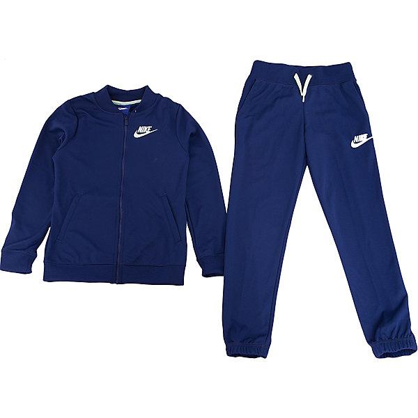 Спортивный костюм NIKEСпортивные костюмы<br>Характеристики товара:<br><br>• цвет: синий<br>• комплектация: тенниска, брюки<br>• состав ткани: 100% полиэстер<br>• длинные рукава<br>• застежка: молния<br>• пояс: резинка и шнурок<br>• особенности модели: спортивный стиль<br>• сезон: демисезон<br>• страна бренда: США<br>• страна изготовитель: Малайзия<br><br>Спортивный костюм Nike - комфортная и качественная одежда для отдыха и занятий спортом. Курточка из спортивного комплекта для детей дополнена карманами. Спортивный костюм Найк не стесняет движения ребенка и отлично подойдет для занятий спортом.<br><br>Спортивный костюм Nike (Найк) можно купить в нашем интернет-магазине.<br>Ширина мм: 247; Глубина мм: 16; Высота мм: 140; Вес г: 225; Цвет: синий; Возраст от месяцев: 84; Возраст до месяцев: 96; Пол: Унисекс; Возраст: Детский; Размер: 122/128,158/170,147/158,135/140,128/134; SKU: 7198712;