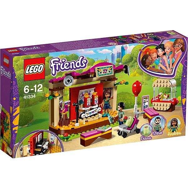 Конструктор LEGO Friends 41334: Сцена Андреа в паркеLEGO Friends<br>Характеристики товара:<br><br>• возраст: от 6 лет;<br>• серия LEGO: Friends;<br>• материал: пластик;<br>• количество деталей: 223 шт.;<br>• в наборе: сцена, коляска, скамейки, микрофон, куклы-марионетки, воздушный шар, бутылочка, карта, хот-дог;<br>• количество минифигурок: 4;<br>• размер упаковки: 19х35х5 см;<br>• вес упаковки: 396 гр.;<br>• страна бренда: Дания.<br><br>Конструктор LEGO Friends: «Сцена Андреа в парке» поможет создать игровой сюжет, в котором папа с ребенком отправляются в парк на представление, которое дает Андреа и ее попугай.<br><br>Для этого в наборе имеется двусторонняя сцена с аксессуарами – с одной стороны показывают представление кукол, а с другой попугай и Андреа устраивают музыкальное шоу. В наборе есть скамейки и прилавок с хот-догами.<br><br>Особенности и функционал:<br><br>• марионетки двигаются при нажатии на клавиши пианино;<br>• сцена вращается;<br>• подходит для использования с другими наборами серии LEGO Friends.<br><br>Конструктор LEGO Friends 41334: «Сцена Андреа в парке» можно купить в нашем интернет-магазине.<br>Ширина мм: 352; Глубина мм: 192; Высота мм: 63; Вес г: 396; Возраст от месяцев: 72; Возраст до месяцев: 144; Пол: Женский; Возраст: Детский; SKU: 7221474;
