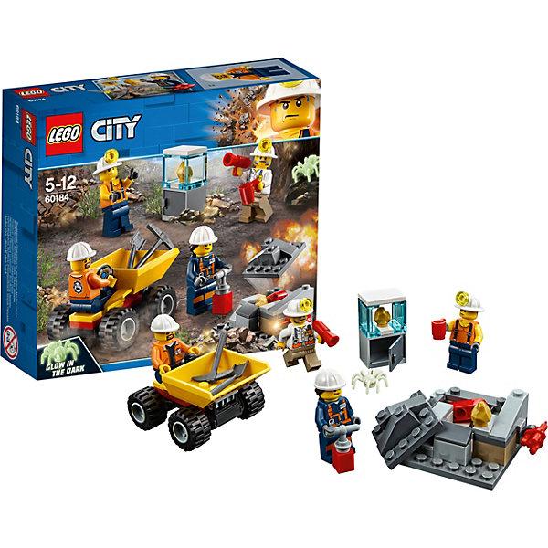 Конструктор LEGO City 60184: Бригада шахтеровLEGO<br>Характеристики товара:<br><br>• возраст: от 5 лет;<br>• серия LEGO: City;<br>• материал: пластик;<br>• количество деталей: 82 шт.;<br>• количество минифигурок: 5;<br>• в наборе: скала, самосвал, научная станция, 2 самородка, динамит, кружка, мегафон, взрыватель, лопата, мотыга;<br>• размер самосвала: 4х6х5 см;<br>• размер скалы: 4х7х5 см;<br>• размер упаковки: 14х15х4 см;<br>• вес упаковки: 128 гр.;<br>• страна бренда: Дания.<br><br>Конструктор LEGO City: «Бригада шахтеров» представляет сцену добычи драгоценных ископаемых с помощью необходимых инструментов и оборудования.<br><br>Четыре трудолюбивых шахтера раскалывают и взрывают камни, исследуют находки и натыкаются на опасного паука. Набор открывает простор для фантазии ребенка. Конструктор выполнен из качественного безопасного пластика.<br><br>Особенности и функционал:<br><br>• верхняя часть скалы съемная, чтобы разместить внутри самородки;<br>• при нажатии на рычаг с динамитом на скале, скала разобьется;<br>• кузов самосвала подвижный;<br>• паук светится в темноте;<br>• подходит для использования с другими наборами серии LEGO City.<br><br>Конструктор LEGO City 60184: «Бригада шахтеров» можно купить в нашем интернет-магазине.<br>Ширина мм: 141; Глубина мм: 162; Высота мм: 48; Вес г: 42; Возраст от месяцев: 60; Возраст до месяцев: 144; Пол: Мужской; Возраст: Детский; SKU: 7221490;