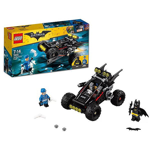 Конструктор LEGO Batman Movie 70918: Пустынный багги БэтменаБэтмен<br>Характеристики товара:<br><br>• возраст: от 6 лет;<br>• серия LEGO: Batman Movie;<br>• материал: пластик;<br>• количество деталей: 198 шт.;<br>• в наборе: пустынный багги Бэтмена, бумеранги, бэтаранги, снаряды для шипометов;<br>• количество минифигурок: 2;<br>• размер багги: 7х12х9 см;<br>• размер упаковки: 14х26х6 см;<br>• вес упаковки: 279 гр.;<br>• страна изготовитель: Дания.<br><br>Из конструктора LEGO Batman Movie: «Пустынный багги Бэтмена» можно собрать игровую сцену, в которой Бэтмен на своем скоростном багги борется против Капитана Бумеранга.<br><br>Багги – мощная черная машина с детализированным корпусом. По ее бокам расположены крылья и пушки, есть большие колеса и прожекторы. Подвеска авто позволяет маневрировать на дороге. Фигурки героев оснащены оружием. <br><br>Набор открывает простор для фантазии ребенка. Элементы конструктора детализированы, выполнены в ярких цветах из безопасного и прочного пластика.<br><br>Особенности и функционал:<br><br>• багги оснащен стреляющими шипометами;<br>• функциональная подвеска задних колес;<br>• конструктор выполнен по мотивам фильмов о супергерое Бэтмене;<br>• подходит для использования с другими наборами серии LEGO Batman Movie.<br><br>Конструктор LEGO Batman Movie 70918: «Пустынный багги Бэтмена» можно купить в нашем интернет-магазине.<br>Ширина мм: 263; Глубина мм: 145; Высота мм: 68; Вес г: 278; Возраст от месяцев: 84; Возраст до месяцев: 168; Пол: Мужской; Возраст: Детский; SKU: 7221530;