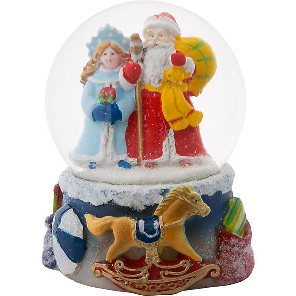 Снежный шар Magic Time Дед Мороз и СнегурочкаНовинки Новый Год<br>Характеристики:<br>• возраст: от 2 лет;<br>• материал: полирезина;<br>• материал шара: стекло;<br>• размер: 9х7х7 см;<br>• вес: 315 гр;<br>• страна производитель: Китай;<br>• бренд: Magic Time;<br>• тип упаковки: блистерная.<br>Новогодняя фигурка из полирезины с водяным шаром из стекла бренда Magic Time – это оригинальный подарок, который станет украшением интерьера любого дома. Игрушка изготовлена из безопасной для здоровья полирезины. Шар сделан из толстого стекла, которое не просто разбить, по этому такую игрушку смело можно давать детям от двух лет.<br>На цветной основе из несколько детских игрушек, таких как лошадка и мячик. Сверху плотно установлен стеклянный шар, внутри которого Дед Мороз с огромным мешком подарков и Снегурочка. При движении внутри шара начинает кружиться искусственный снег. Именно из-за этого эффекта статуэтки с шаром стали популярны во всем мире. Такая статуэтка станет хорошим новогодним подарком для ребенка. Кроме того, впоследствии вы сможете подарить целую коллекцию таких игрушек.<br>Так же статуэтка может стать отличным сувенирным подарком не только детям, но и взрослым. Благодаря плотной упаковку при ударе игрушка не сломается, а это значит, что статуэтку можно смело отправлять почтой. Стеклянный шар не повредится, при этом основа из твердой полирезины так же останется целой.<br>Новогоднюю фигурку из полирезины с водяным шаром из стекла можно купить в нашем интернет-магазине.<br><br>Ширина мм: 90<br>Глубина мм: 70<br>Высота мм: 70<br>Вес г: 315<br>Возраст от месяцев: 24<br>Возраст до месяцев: 2147483647<br>Пол: Унисекс<br>Возраст: Детский<br>SKU: 7223796