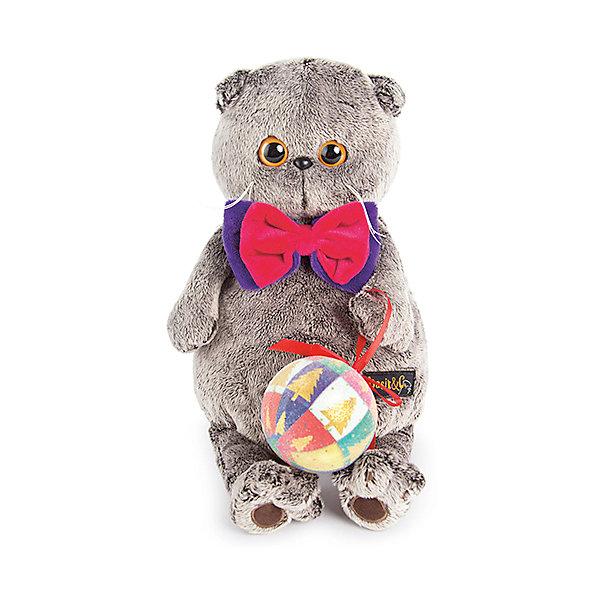 Басик с новогодним шарикомМягкие игрушки-кошки<br>Характеристики товара:<br><br>• возраст: от 3 лет;<br>• материал: текстиль, искусственный мех;<br>• высота игрушки: 25 см;<br>• размер упаковки: 27х14х16 см;<br>• вес упаковки: 483 гр.;<br>• страна производитель: Россия.<br><br>Мягкая игрушка «Басик с новогодним шариком» Budi Basa - очаровательный пушистый котенок с добрыми глазками. На Басике яркая бабочка, а в лапках он держит елочный шар. <br><br>Игрушка выполнена из качественного безопасного материала, настолько приятного и мягкого, что ребенок будет брать с собой котенка в кроватку и спать в обнимку.<br><br>Мягкую игрушку «Басик с новогодним шариком» Budi Basa можно приобрести в нашем интернет-магазине.<br><br>Ширина мм: 270<br>Глубина мм: 160<br>Высота мм: 140<br>Вес г: 483<br>Возраст от месяцев: 36<br>Возраст до месяцев: 168<br>Пол: Унисекс<br>Возраст: Детский<br>SKU: 7231229