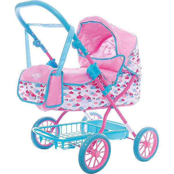 Игрушка BABY born Коляска делюкс с сумкой, 2017, кор.Транспорт и коляски для кукол<br>Характеристики товара:<br><br>• возраст: от 3 лет;<br>• цвет: розово- голубой;<br>• пол: девочка;<br>• из чего сделана игрушка (состав): пластик, металл, текстиль;<br>• размер упаковки: 62х44х14 см.;<br>• упаковкака: картонная коробка;<br>• размер коляски: 66х42х68 см;<br>• комплект: коляска, сумка;<br>• подходящая высота кукол: 43 см;<br>• высота ручки: 47-74 см.;<br>• вес: 3,6 кг.;<br>• страна обладатель бренда: Германия.<br><br>Коляска для кукол Беби Борн: Делюкс от компании Zapf Creation выполнена в розовых и голубых тонах. Люлька подойдет куколкам ростом до 43 сантиметров. У данной модели высота ручки регулируется под рост девочки. Коляска оснащена, козырьком, удобной корзиной для игрушек и пластиковым поддоном. В набор входит сумка для необходимых мелочей и чехол на заклепках. Ручку можно перекидывать в зависимости от желания ребенка. Модель коляски-люльки практически не отличается от прототипа, что непременно понравится девочке.<br><br>Коляску делюкс с сумкой от бренда Zapf Creation Baby Вorn, 2017 можно купить в нашем интернет-магазине.<br>Ширина мм: 135; Глубина мм: 435; Высота мм: 620; Вес г: 3675; Возраст от месяцев: 36; Возраст до месяцев: 2147483647; Пол: Женский; Возраст: Детский; SKU: 7231390;