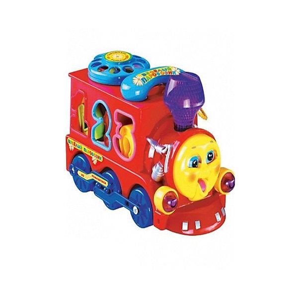 Игрушка Паровозик из Ромашкова на батарейках со светом и звуком (Песенка из м/ф).Интерактивные игрушки для малышей<br>Характеристики товара:<br><br>• световые и звуковые эффекты;<br>• возраст: от 1 года;<br>• батарейки: АА - 3 шт. (не входят в комплект);<br>• материал: пластик, текстиль;<br>• размер упаковки: 18,5х10х14 см;<br>• страна бренда: Россия.<br><br>Веселый паровозик из Ромашкова развлечет малыша, а также научит различать цвета, цифры и буквы. Игрушка выполнена в виде веселого паровозика-сортера. По бокам расположены отверстия, в которые малышу предстоит сложить фигурки букв и цифр. На крыше паровозика находится дисковый телефон со съемной трубкой. Ребенок сможет запомнить цифры, а также научится разговаривать по телефону. <br><br>Во время работы паровозик светит фарами, закрывает и открывает рот и глаза. Игрушка дополнена песенкой из мультфильма и реалистичными звуками паровоза. Игра с данным паровозом способствует развитию памяти, мелкой моторики, воображения. Для работы необходимы три батарейки АА (не входят в комплект).<br><br>Игрушку «Паровозик из Ромашкова» на батарейках со светом и звуком (Песенка из м/ф), Умка можно купить в нашем интернет-магазине.<br>Ширина мм: 185; Глубина мм: 100; Высота мм: 140; Вес г: 650; Возраст от месяцев: 36; Возраст до месяцев: 84; Пол: Унисекс; Возраст: Детский; SKU: 7233217;
