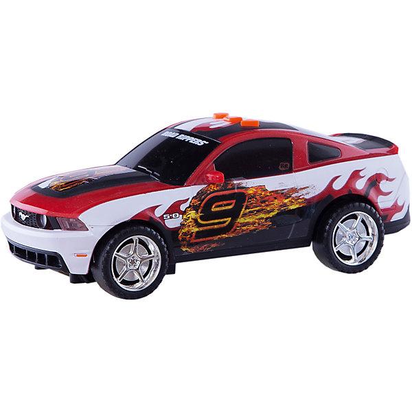 Машина TOYSTATE на батарейках со светом и звуком.Машинки<br>Характеристики товара:<br><br>• размер игрушки: 21 см;<br>• возраст: от 3 лет;<br>• материал: пластик;<br>• батарейки: АА - 3 шт. (в комплекте);<br>• размер упаковки: 25х13 см;<br>• страна бренда: США.<br><br>Яркая гоночная машинка отлично дополнит автопарк юного гонщика. Игрушка выглядит очень реалистично. Машинка умеет ездить вперед, светить фарами, издавать реалистичные звуки и даже произносить некоторые фразы. В первом варианте использования машинка едет вперед, издает звуки и светит фарами. Во втором варианте - работают световые и звуковые эффекты. В третьем варианте - только звук двигателя и звуковые эффекты. Таким образом, ребенок сам сможет управлять автомобилем под звуковое сопровождение.<br><br>Машину Toystate (Тойстейт) на батарейках со светом и звуком можно купить в нашем интернет-магазине.<br><br>Ширина мм: 210<br>Глубина мм: 80<br>Высота мм: 90<br>Вес г: 480<br>Возраст от месяцев: 36<br>Возраст до месяцев: 84<br>Пол: Унисекс<br>Возраст: Детский<br>SKU: 7233218