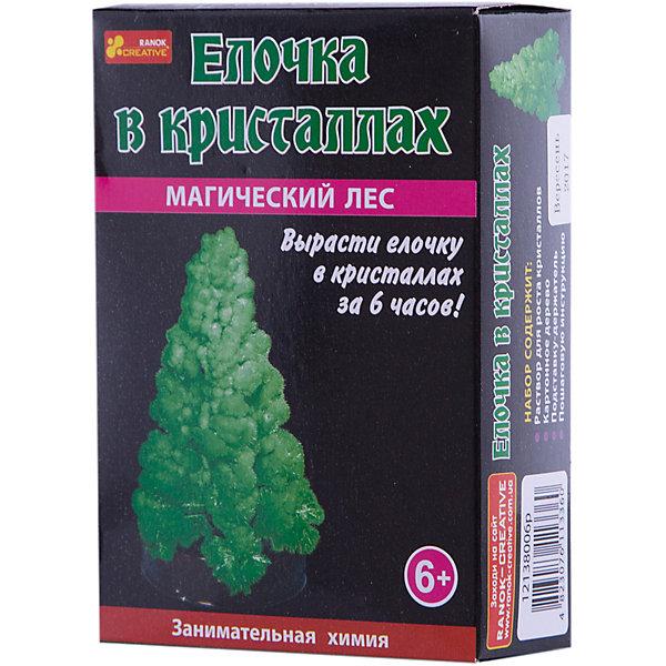 Занимательная химия «Елочка в кристаллах»Выращивание кристаллов<br>Характеристики товара:<br><br>• возраст: от 6 лет;<br>• цвет: синий;<br>• материал:  картон, пластик, реактивы;<br>• размер упаковки: 14х10х4 см.;<br>• упаковка: картонная коробка;<br>• вес в упаковке: 40 гр.;<br>• бренд, страна: Ranok Creative, Украина.<br><br>Набор для опытов «Елочка в кристаллах. Зеленое» от бренда Ranok Creative - развлечет ребенка и познакомит его с некоторыми физико-химическими явлениями. <br><br>В набор входят жидкость для создания кристаллов, подставка и картонное деревце, которое служит основой для елки. К набору также прилагается инструкция, следуя которой, можно последовательно вырастить кристаллическую елочку синего цвета. Такой процесс займет всего несколько часов. <br><br>Данный набор станет отличным подарком для юных любителей химии и различных экспериментов.<br><br>Рекомендуемый возраст: от 6 лет, под наблюдением взрослых.<br><br>Набор для опытов «Елочка в кристаллах. Синяя», Ranok Creative можно купить в нашем интернет-магазине.<br>Ширина мм: 100; Глубина мм: 40; Высота мм: 140; Вес г: 40; Возраст от месяцев: 72; Возраст до месяцев: 192; Пол: Унисекс; Возраст: Детский; SKU: 7252956;