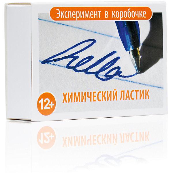 Набор для опытов Простая Наука Химический ЛастикХимия и физика<br>Характеристики:<br><br>• химическая лаборатория в домашних условиях;<br>• удаление чернил от шариковой ручки;<br>• ингредиенты в комплекте;<br>• состав набора: перманганат натрия, гидроперит, ватные палочки, кусок материи, резиновые перчатки;<br>• размер упаковки: 9х6х2,5 см;<br>• вес: 30 г.<br><br>Набор химических опытов Химический ластик позволяет приготовить специальный раствор, с помощью которого можно удалить с ткани пятна чернил от шариковой ручки. В процессе игры развивается интерес к химии, ребенок наблюдает за процессом выведения пятен, учится обращаться с химическими реактивами. <br><br>Проведение опыта:<br><br>• на белую ткань наносится надпись шариковыми чернилами;<br>• в стакан наливается 10 мл столового уксуса;<br>• растворяется несколько кристаллов марганцовки;<br>• готовый раствор наносится на надпись с помощью ватной палочки;<br>• надпись исчезает, розовые разводы остаются;<br>• во втором стакане растворяется таблетка гидроперита;<br>• данным раствором удаляются розовые разводы на ткани;<br>• обратите внимание: эксперимент проводится в присутствии взрослых.<br><br>Эксперимент в коробочке Химический Ластик можно купить в нашем интернет-магазине.<br><br>Ширина мм: 25<br>Глубина мм: 90<br>Высота мм: 60<br>Вес г: 30<br>Возраст от месяцев: 144<br>Возраст до месяцев: 192<br>Пол: Унисекс<br>Возраст: Детский<br>SKU: 7272132