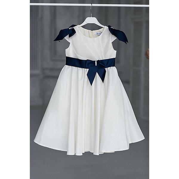 Платье нарядное Unona Dart для девочкиОдежда<br>Характеристики товара:<br><br>• цвет: синий;<br>• состав: 100% полиэстер;<br>• подкладка: 65% полиэстер, 35% хлопок;<br>• сезон: круглый год;<br>• особенности: нарядное, на подкладке;<br>• застежка: молния на спинке;<br>• поясок;<br>• без рукавов;<br>• с подъюбником;<br>• страна бренда: Россия;<br>• страна изготовитель: Россия.<br><br>Нарядное платье без рукавов для девочки. Изысканное платье с диагональными складками на груди и мягкими складками на юбке. Платье застегивается на молнию. На плечах и на поясе платье отделано бантами из репсовой ленты контрастного цвета, украшенными крупными кристаллами. В платье уже есть подъюбник из сетки, который придает юбке пышность.<br><br>Нарядное платье Unona Dart (Юнона де Арт) можно купить в нашем интернет-магазине.<br>Ширина мм: 236; Глубина мм: 16; Высота мм: 184; Вес г: 177; Цвет: синий; Возраст от месяцев: 96; Возраст до месяцев: 108; Пол: Женский; Возраст: Детский; Размер: 134,116,122,128; SKU: 7309074;