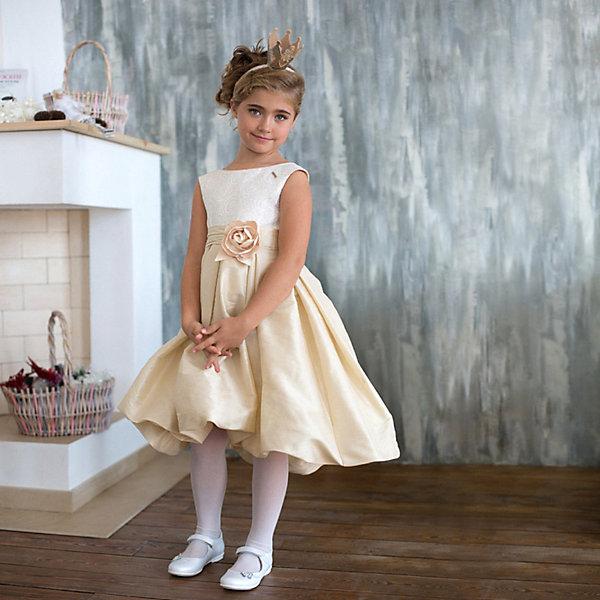 Платье нарядное Unona Dart для девочкиОдежда<br>Характеристики товара:<br><br>• цвет: золотой;<br>• состав: 100% полиэстер;<br>• подкладка: 65% полиэстер, 35% хлопок;<br>• сезон: круглый год;<br>• особенности: нарядное, на подкладке;<br>• застежка: молния на спинке;<br>• поясок-лента;<br>• без рукавов;<br>• пышная юбка;<br>• страна бренда: Россия;<br>• страна изготовитель: Россия.<br><br>Нарядное платье без рукавов для девочки. Шикарное платье золотистого цвета с пышной юбкой. Гладкий лиф, юбка-баллон разноуровневая, длина до колена. Платье застегивается на молнию. Дополнительное облегание достигается за счет драпированного пояса с декоративным цветком ручной работы.<br><br>Нарядное платье Unona Dart (Юнона де Арт) можно купить в нашем интернет-магазине.<br>Ширина мм: 236; Глубина мм: 16; Высота мм: 184; Вес г: 177; Цвет: желтый; Возраст от месяцев: 72; Возраст до месяцев: 84; Пол: Женский; Возраст: Детский; Размер: 122,134,116,128; SKU: 7309083;