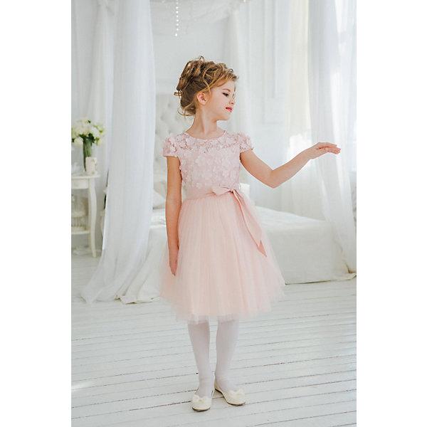 Платье нарядное Unona Dart для девочкиОдежда<br>Характеристики товара:<br><br>• цвет: персиковый;<br>• состав: 100% полиэстер;<br>• подкладка: 65% полиэстер, 35% хлопок;<br>• сезон: круглый год;<br>• особенности: нарядное, на подкладке;<br>• застежка: молния на спинке;<br>• поясок-лента;<br>• с коротким рукавом;<br>• пышная юбка;<br>• страна бренда: Россия;<br>• страна изготовитель: Россия.<br><br>Нарядное платье с коротким рукавом для девочки. Воздушное, нежное платье длиной чуть ниже колен. Лиф с небольшим рукавчиком, из объемной ткани. Юбка многослойная из тонкой сетки. Пояс из тафты обеспечивает прилегание по талии. Подойдет для любых праздничных случаев.<br><br>Нарядное платье Unona Dart (Юнона де Арт) можно купить в нашем интернет-магазине.<br>Ширина мм: 236; Глубина мм: 16; Высота мм: 184; Вес г: 177; Цвет: оранжевый; Возраст от месяцев: 72; Возраст до месяцев: 84; Пол: Женский; Возраст: Детский; Размер: 122,134,128; SKU: 7309108;