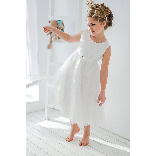 Платье нарядное Unona Dart для девочкиОдежда<br>Характеристики товара:<br><br>• цвет: белый;<br>• состав: 100% полиэстер;<br>• подкладка: 65% полиэстер, 35% хлопок;<br>• сезон: круглый год;<br>• особенности: нарядное, на подкладке;<br>• застежка: молния на спинке;<br>• ремешок;<br>• без рукавов;<br>• страна бренда: Россия;<br>• страна изготовитель: Россия.<br><br>Нарядное платье без рукавов для девочки. Легкое и элегантное нарядное платье. Длина ниже колена. Лиф и низ юбки отделаны кружевом. Верхняя юбка из сетки гофре. Платье застегивается на молнию. Дополнительное облегание достигается за счет пояса из атласной ленты.<br><br>Нарядное платье Unona Dart (Юнона де Арт) можно купить в нашем интернет-магазине.<br>Ширина мм: 236; Глубина мм: 16; Высота мм: 184; Вес г: 177; Цвет: белый; Возраст от месяцев: 96; Возраст до месяцев: 108; Пол: Женский; Возраст: Детский; Размер: 134,122,128; SKU: 7309120;
