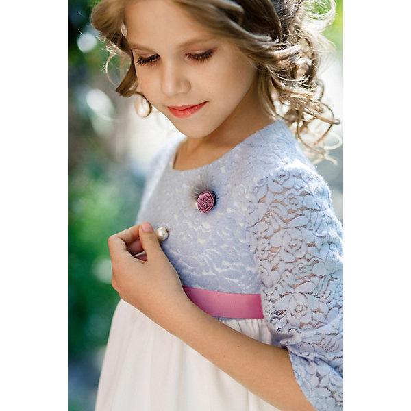 Платье нарядное Unona Dart для девочкиОдежда<br>Характеристики товара:<br><br>• цвет: персиковый;<br>• состав: 100% полиэстер;<br>• подкладка: 65% полиэстер, 35% хлопок;<br>• сезон: круглый год;<br>• особенности: нарядное, на подкладке;<br>• застежка: молния на спинке;<br>• поясок-лента;<br>• с длинным рукавом;<br>• страна бренда: Россия;<br>• страна изготовитель: Россия.<br><br>Нарядное платье с длинным рукавом для девочки. Нежное платье с длинным рукавом. Лиф выполнен из мягкой ажурной ткани с растительным рисунком. Наполненная пышная, в то же время мягкая, юбка в крупную складку. Декор - брошь - завершает композицию.<br><br>Нарядное платье Unona Dart (Юнона де Арт) можно купить в нашем интернет-магазине.<br><br>Ширина мм: 236<br>Глубина мм: 16<br>Высота мм: 184<br>Вес г: 177<br>Цвет: синий<br>Возраст от месяцев: 72<br>Возраст до месяцев: 84<br>Пол: Женский<br>Возраст: Детский<br>Размер: 122,134,128<br>SKU: 7309162