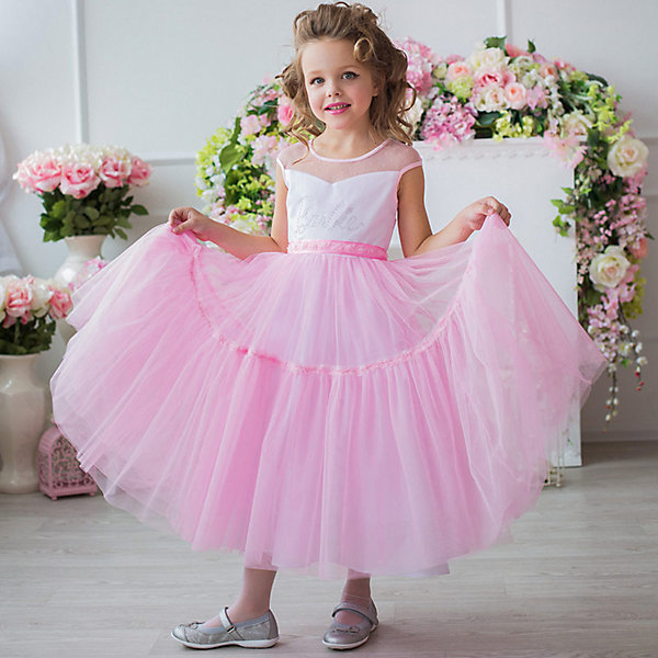Платье нарядное Barbie™ для девочкиОдежда<br>Характеристики товара:<br><br>• цвет: розовый;<br>• состав: 100% полиэстер;<br>• подкладка: 65% полиэстер, 35% хлопок;<br>• сезон: круглый год;<br>• особенности: нарядное, на подкладке;<br>• застежка: молния;<br>• поясок-лента;<br>• с коротким рукавом;<br>• страна бренда: Россия;<br>• страна изготовитель: Россия.<br><br>Нарядное платье с коротким рукавом для девочки. Нежное, воздушное платье, длиной до щиколотки, в стиле Barbie™princess. Шикарная, пышная, наполненная юбка не оставит равнодушной ни одну девочку. Крупная аппликация Barbie из страз высокого качества на лифе.<br><br>Нарядное платье Barbie (Барби) можно купить в нашем интернет-магазине.<br><br>Ширина мм: 236<br>Глубина мм: 16<br>Высота мм: 184<br>Вес г: 177<br>Цвет: розовый<br>Возраст от месяцев: 24<br>Возраст до месяцев: 36<br>Пол: Женский<br>Возраст: Детский<br>Размер: 98,128,122,116,110,104<br>SKU: 7309285