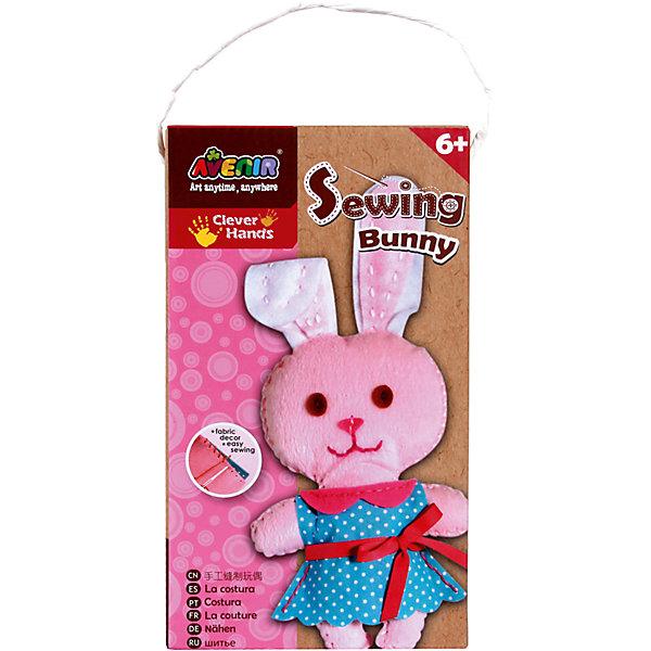Набор для шитья ЗайчикШитьё<br>Характеристики товара:<br><br>• возраст: от 3 лет;<br>• пол: девочка;<br>В комплекте:<br>• фигурные заготовки из ткани;<br>• заготовки из войлока; <br>• материал для набивки игрушки;<br>• безопасная пластиковая игла;<br>• цветная пряжа;<br>• из чего сделана игрушка (состав): текстиль, пластик; <br>• вес: 0,13 кг.;<br>• размер упаковки: 23х13х5 см.;<br>• упаковка: картонная коробка.<br><br>Набор для шитья игрушки Зайчик заинтересует многих детей. Каждая обладательница такого набора сможет создать интересную игрушку своими руками, для этого ей необходимо сшить все фигурные заготовки между собой, а затем наполнить их набивкой. После завершения шитья у девочки появится игрушка в виде очаровательного зайчика.<br><br>Набор для шитья «Зайчик» можно купить в нашем интернет-магазине.<br>Ширина мм: 230; Глубина мм: 130; Высота мм: 50; Вес г: 130; Возраст от месяцев: 36; Возраст до месяцев: 2147483647; Пол: Женский; Возраст: Детский; SKU: 7313462;