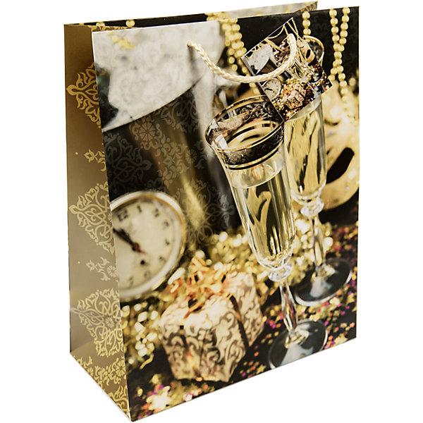 Бумажный пакет Золотые бокалы для сувенирной продукции , с ламинациейУпаковка новогоднего подарка<br>Характеристики:<br><br>• размер пакета: 45,7х33х10,2 см;<br>• ширина основания: 33 см;<br>• плотность бумаги: 140 г/м2;<br>• масса: 79 г.<br><br>Красивый ламинированный пакет понадобится для упаковки подарков и сувениров. Пакет удобного размера, поэтому может вместить достаточно большой презент.<br><br>Тематическая новогодняя иллюстрация на пакете подойдет и для взрослых, и для детей. Две прочные ручки надежно закреплены. Плотная бумага хорошо держит форму.<br><br>Подарочный пакет необходим для хорошего оформления подарков друзьям и родным.<br><br>Бумажный пакет «Золотые бокалы» для сувенирной продукции, с ламинацией, Magic Time можно купить в нашем интернет-магазине.<br>Ширина мм: 457; Глубина мм: 330; Высота мм: 1; Вес г: 79; Возраст от месяцев: 36; Возраст до месяцев: 2147483647; Пол: Унисекс; Возраст: Детский; SKU: 7317190;