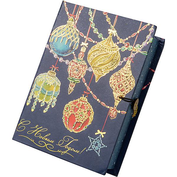 Подарочная коробка Яркие игрушки-MНовогодние коробки<br>Характеристики:<br><br>• размер коробки: 20х14х6 см;<br>• плотность картона: 1100 г/м2;<br>• масса: 149 г.<br><br>Красивая подарочная коробка поможет красиво упаковать презент. Небольшая коробочка может вместить небольшой сувенир.<br><br>Тематическая новогодняя иллюстрация на упаковке подойдет и для взрослых, и для детей. Мелованный негофрированный картон хорошо держит форму.<br><br>С помощью подарочных коробочек с цветным декоративным рисунком можно быстро и эффектно оформить подарки друзьям и родным.<br><br>Подарочную коробку «Яркие игрушки M», Magic Time можно купить в нашем интернет-магазине.<br><br>Ширина мм: 200<br>Глубина мм: 140<br>Высота мм: 60<br>Вес г: 149<br>Возраст от месяцев: 36<br>Возраст до месяцев: 2147483647<br>Пол: Унисекс<br>Возраст: Детский<br>SKU: 7317217