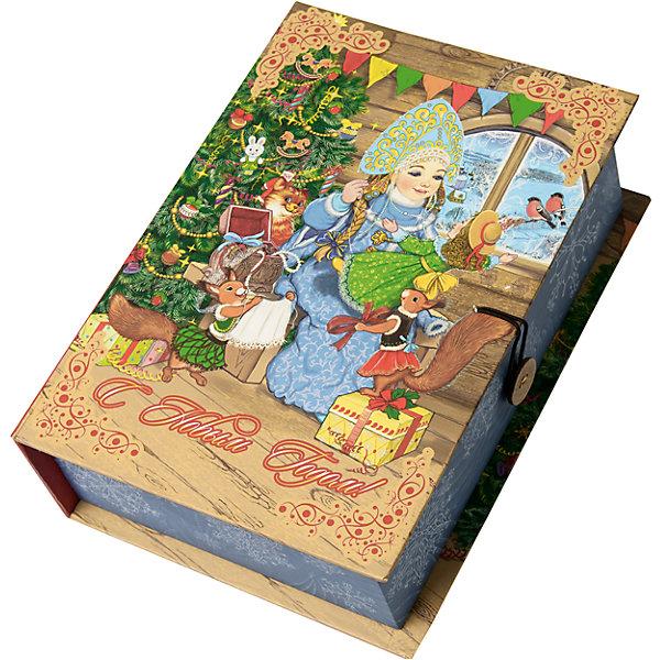 Подарочная коробка Снегурка за работой-MУпаковка новогоднего подарка<br>Характеристики:<br><br>• размер коробки: 20х14х6 см;<br>• плотность картона: 1100 г/м2;<br>• масса: 149 г.<br><br>Красивая подарочная коробка поможет красиво упаковать презент. Небольшая коробочка может вместить небольшой сувенир.<br><br>Тематическая новогодняя иллюстрация на упаковке подойдет и для взрослых, и для детей. Мелованный негофрированный картон хорошо держит форму.<br><br>С помощью подарочных коробочек с цветным декоративным рисунком можно быстро и эффектно оформить подарки друзьям и родным.<br><br>Подарочную коробку «Снегурка за работой M», Magic Time можно купить в нашем интернет-магазине.<br>Ширина мм: 200; Глубина мм: 140; Высота мм: 60; Вес г: 149; Возраст от месяцев: 36; Возраст до месяцев: 2147483647; Пол: Унисекс; Возраст: Детский; SKU: 7317233;