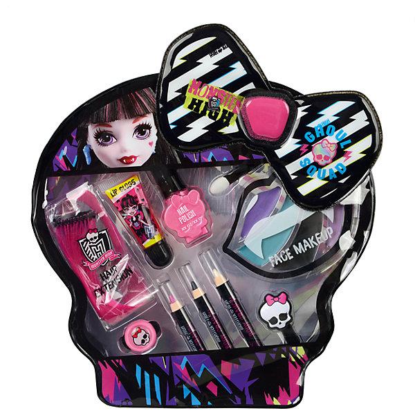 Monster High Игровой набор детской декоративной косметики DraculauraНаборы детской косметики<br>Характеристики:<br><br>• декоративная косметика для губ, ногтей, волос и лица;<br>• косметика на водной основе;<br>• продукция не содержит парабенов, метилизотиазолинона и пальмового масла;<br>• косметика долго хранится, сохраняет свои первоначальные свойства;<br>• продукты гипоаллергенны, практически не вызывают аллергическую реакцию;<br>• рекомендация: перед применением косметики проверьте индивидуальную реакцию ребенка на продукцию Markwins;<br>• состав набора: цветная прядь искусственных волос 1 шт., блеск для губ в тубе 1 шт., лак для ногтей на водной основе 1 шт., косметические карандаши 3 шт., палитра кремовых теней для век из 4 оттенков, аппликатор 1 шт., резинка для волос 1 шт., заколочка для волос 1 шт.;<br>• размер упаковки: 21х4х24 см;<br>• вес: 221 г.<br><br>Салон красоты в домашних условиях – возможность преобразиться, создать новый образ, проявить женственность и чувство стиля. Набор декоративной косметики Markwins содержит в себе косметику для волос, губ и ногтей. <br><br>Monster High Игровой набор детской декоративной косметики Draculaura можно купить в нашем интернет-магазине.<br><br>Ширина мм: 210<br>Глубина мм: 40<br>Высота мм: 240<br>Вес г: 221<br>Возраст от месяцев: 36<br>Возраст до месяцев: 2147483647<br>Пол: Женский<br>Возраст: Детский<br>SKU: 7329055