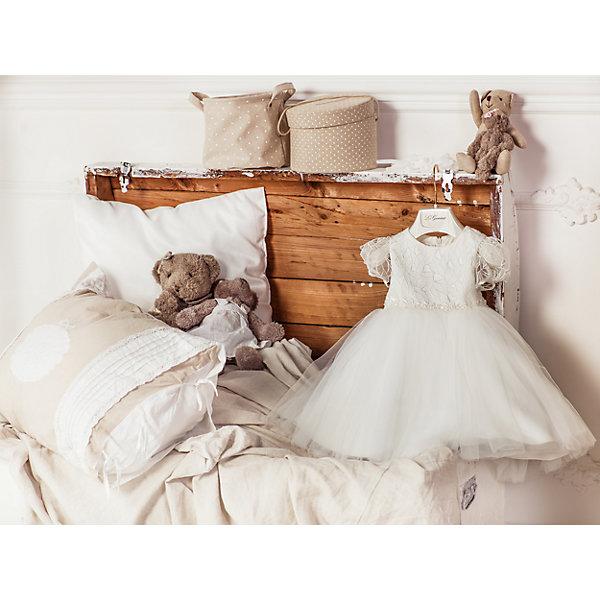 Нарядное платье Les Gamins для девочкиОдежда<br>Характеристики товара:<br><br>• цвет: белый;<br>• состав: 55% полиэстер, 45% вискоза;<br>• подкладка: 100% хлопок;<br>• сезон: круглый год;<br>• застежка: молния на спинке;<br>• платье с коротким рукавом;<br>• в комплекте: болеро и чепчик;<br>• верхняя часть декорирована бусинами;<br>• страна бренда: Италия;<br>• страна изготовитель: Китай.<br><br>Нарядное платье Les Gamins для девочки. Праздничное белое платье Les Gamins Cerimonia. Расшитая верхняя часть оформлена нежными бусинками, которые создают потрясающий эффект бального платья. В комплект входит чепчик и болеро. Платье на хлопковой подкладке, застегивается на молнию сзади.<br><br>Нарядное платье Les Gamins для девочки можно купить в нашем интернет-магазине.<br><br>Ширина мм: 236<br>Глубина мм: 16<br>Высота мм: 184<br>Вес г: 177<br>Цвет: белый<br>Возраст от месяцев: 12<br>Возраст до месяцев: 15<br>Пол: Женский<br>Возраст: Детский<br>Размер: 86,80<br>SKU: 7336868