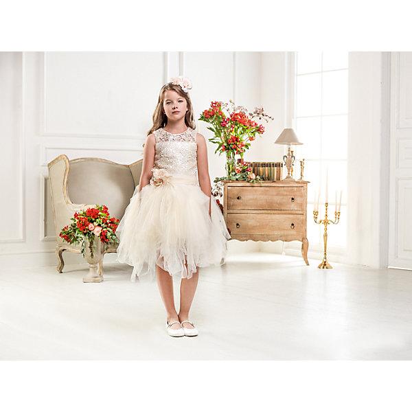 Нарядное платье Les Gamins для девочкиОдежда<br>Характеристики товара:<br><br>• цвет: бежевый;<br>• состав: 55% полиэстер, 45% вискоза;<br>• подкладка: 100% хлопок;<br>• сезон: круглый год;<br>• платье без рукавов;<br>• в комплекте: болеро и ободок;<br>• верх платья с кружевом;<br>• съемный пояс с цветком;<br>• многослойная юбка;<br>• страна бренда: Италия;<br>• страна изготовитель: Китай.<br><br>Нарядное платье Les Gamins для девочки. Праздничное платье Les Gamins Cerimonia, выполнено из высококачественных материалов. Верх платья- кружева, низ- несколько слоёв нежнейшего фатина, пояс с цветком, который при желании можно отстегнуть. В комплект так же входит болеро и ободок. <br><br>Нарядное платье Les Gamins для девочки можно купить в нашем интернет-магазине.<br>Ширина мм: 236; Глубина мм: 16; Высота мм: 184; Вес г: 177; Цвет: бежевый; Возраст от месяцев: 84; Возраст до месяцев: 96; Пол: Женский; Возраст: Детский; Размер: 128,164,158,152,146,140,134; SKU: 7336902;