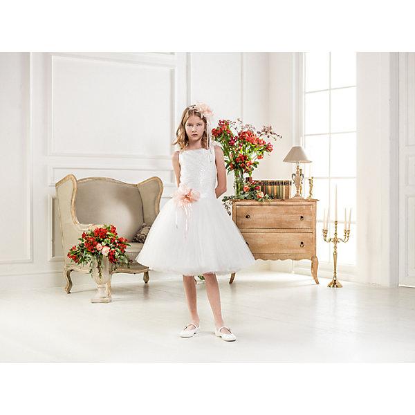 Нарядное платье Les Gamins для девочкиОдежда<br>Характеристики товара:<br><br>• цвет: белый;<br>• состав: 55% полиэстер, 45% вискоза;<br>• подкладка: 100% хлопок;<br>• сезон: круглый год;<br>• платье без рукавов;<br>• в комплекте: болеро и ободок;<br>• съемный цветок;<br>• многослойная юбка;<br>• страна бренда: Италия;<br>• страна изготовитель: Китай.<br><br>Нарядное платье Les Gamins для девочки. Белое платье Les Gamins Cerimonia с юбкой пачкой из нескольких слоёв нежного фатина, как у балерины обрадуют любую девочку. Нежный образ платья дополняет пояс с цветком, который при желании можно отстегнуть. В ансамбль входит болеро, для торжественных выходов в свет и ободок. <br><br>Нарядное платье Les Gamins для девочки можно купить в нашем интернет-магазине.<br>Ширина мм: 236; Глубина мм: 16; Высота мм: 184; Вес г: 177; Цвет: белый; Возраст от месяцев: 84; Возраст до месяцев: 96; Пол: Женский; Возраст: Детский; Размер: 128,152,146,140,134,164,158; SKU: 7336918;