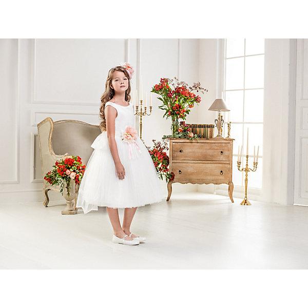 Нарядное платье Les Gamins для девочкиОдежда<br>Характеристики товара:<br><br>• цвет: белый;<br>• состав: 55% полиэстер, 45% вискоза;<br>• подкладка: 100% хлопок;<br>• сезон: круглый год;<br>• платье без рукавов;<br>• в комплекте: болеро и ободок;<br>• съемный цветок на поясе;<br>• пышная юбка;<br>• страна бренда: Италия;<br>• страна изготовитель: Китай.<br><br>Нарядное платье Les Gamins для девочки. Праздничное платье Les Gamins Cerimonia с пышной юбкой-пачкой, элегантным верхом и дополненное поясом с отстёгивающимся цветком, дополнит ободок и болеро, которые входят в комплект. Праздничный наряд в традиционном итальянском стиле.<br><br>Нарядное платье Les Gamins для девочки можно купить в нашем интернет-магазине.<br>Ширина мм: 236; Глубина мм: 16; Высота мм: 184; Вес г: 177; Цвет: белый; Возраст от месяцев: 84; Возраст до месяцев: 96; Пол: Женский; Возраст: Детский; Размер: 128,164,158,152,146,140,134; SKU: 7336956;