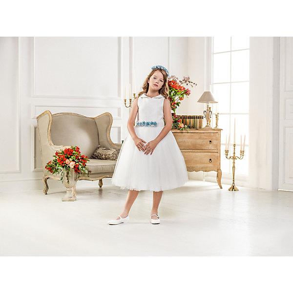 Нарядное платье Les Gamins для девочкиОдежда<br>Характеристики товара:<br><br>• цвет: белый;<br>• состав: 55% полиэстер, 45% вискоза;<br>• подкладка: 100% хлопок;<br>• сезон: круглый год;<br>• платье без рукавов;<br>• в комплекте: болеро и ободок;<br>• страна бренда: Италия;<br>• страна изготовитель: Китай.<br><br>Нарядное платье Les Gamins для девочки. Украшает это праздничное платье юбка из нескольких слоёв фатина. Пояс украшен цветами, как и ободок, который входит в комплект. Так же в комплект мы добавили болеро, чтобы в прохладную погоду, нашим элегантным леди было комфортно. <br><br>Нарядное платье Les Gamins для девочки можно купить в нашем интернет-магазине.<br><br>Ширина мм: 236<br>Глубина мм: 16<br>Высота мм: 184<br>Вес г: 177<br>Цвет: белый<br>Возраст от месяцев: 84<br>Возраст до месяцев: 96<br>Пол: Женский<br>Возраст: Детский<br>Размер: 128,134,146,152,158,164<br>SKU: 7337040