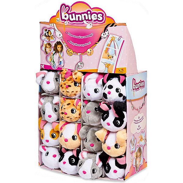 Мягкая игрушка на магнитах IMC Toys Кролик Bunnies 9,5 смМягкие игрушки животные<br>Характеристики:<br><br>• возраст: от 3 лет<br>• в комплекте: одна игрушка<br>• размер: 9,5 см.<br>• материал: искусственный мех, наполнитель, текстиль, металл<br>• в ассортименте: 8 игрушек<br><br>• ВНИМАНИЕ! Данный артикул представлен в разных вариантах исполнения. К сожалению, заранее выбрать определенный вариант невозможно. При заказе нескольких игрушек возможно получение одинаковых<br><br>Кролик с магнитами Bunnies представляет собой необычную мягкую игрушку, внутри которой имеется 4 магнитика: в ушках, на носу и в хвосте. Благодаря этому, кролика можно как угодно подвесить, прикрепить, например, на холодильник. Одеть его на руку в качестве браслета или повесить на рюкзак.<br><br>Кролика Bunnies с магнитами, 9,5см в ассортименте (8 шт) можно купить в нашем интернет-магазине.<br>Ширина мм: 109; Глубина мм: 95; Высота мм: 143; Вес г: 9999; Возраст от месяцев: 36; Возраст до месяцев: 120; Пол: Унисекс; Возраст: Детский; SKU: 7340366;