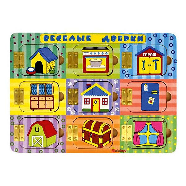 Бизиборд Alatoys Веселые дверкиДеревянные игрушки<br>Характеристики товара:<br><br>• возраст: от 1 года;<br>• размер: 25х35 см;<br>• материал: дерево, металл, пластик;<br>• размер упаковки: 39х26х7 см;<br>• страна бренда: Россия.<br><br>Бизиборд Веселые дверки  - удивительная игрушка, которая поможет развить мелкую моторику, координацию движений и понимание причинно-следственных связей. Бизиборд выполнен в виде прямоугольной доски, на которой находятся 9 окошек, изображающих различные места. <br><br>Открывая окошки, малыш узнает, что находится в гараже, за окном, в сундучке и других местах. Игрушка изготовлена из экологически чистого дерева и окрашена гипоаллергенными красителями.<br><br>Бизиборд Веселые дверки , Alatoys (Алатойс) можно купить в нашем интернет-магазине.<br>Ширина мм: 380; Глубина мм: 65; Высота мм: 260; Вес г: 650; Возраст от месяцев: 36; Возраст до месяцев: 72; Пол: Унисекс; Возраст: Детский; SKU: 7340548;