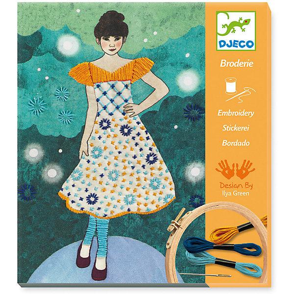 Наборы серии «Раскраска-аппликация» Модный показ, DjecoШитьё<br>Набор для творчества Модный показ от французского производителя Djeco (Джеко) непременно понравится юным рукодельницам, которые хотят научиться вышиванию. Набор поможет создать потрясающую картину на текстильном полотне с вышивкой. На полотне изображена милая девушка в красивом платье на показе мод. При помощи ниток мулине и иглы, входящих в набор, девочка сможет дополнить картину красивыми вышитыми узорами. Подробная инструкция поможет сделать творческий процесс легким и приятным. И, конечно, можно проявить фантазию и вышить узоры самостоятельно без инструкции. Готовой картиной, помещенной в рамку, можно украсить комнату или подарить её маме. Набор поможет развить навыки вышивания, усидчивость, воображение и творческое мышление. Набор содержит: - 1 текстильное полотно с изображением, - 1 деревянные пяльца, - 3 мотка ниток мулине разных цветов, - 1 иглу, - 2 нитевдевателя, - подробную инструкцию с иллюстрациями. Размер картины для вышивания 28 х 23 см. Набор для творчество продается в красивой подарочной коробке. Рекомендован для детей от 8 до 14 лет. Купить набор для творчества Модный показ от Djeco можно в нашем интернет магазине Konik.ru с доставкой в удобное для Вас время почтой или курьерской компанией!<br>Ширина мм: 20; Глубина мм: 240; Высота мм: 210; Вес г: 350; Возраст от месяцев: 36; Возраст до месяцев: 2147483647; Пол: Унисекс; Возраст: Детский; SKU: 7414740;