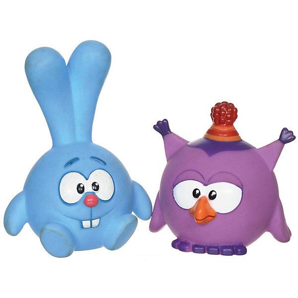 Набор из 2-х игрушек для ванной  Крош и Совунья. Смешарики в сетке.Резиновые игрушки<br>Замечательный и яркий набор для купания. 2 красочные фигурки любимых героев Кроша и Совуньи из мультфильма Смешарики доставят ребенку много положительных эмоций в процессе купания. Фигурки мягкие и легкие, Ваш малыш с удовольствием будет с ними не только купаться, но и играть. Также на игрушки можно нажать и услышать пищащий звук, что позабавит ребенка. Сделаны из безопасного ПВХ. Развивает мелкую моторику, цветовосприятие. Рекомендовано детям от 6 месяцев.<br><br>Ширина мм: 100<br>Глубина мм: 60<br>Высота мм: 150<br>Вес г: 60<br>Возраст от месяцев: 72<br>Возраст до месяцев: 36<br>Пол: Унисекс<br>Возраст: Детский<br>SKU: 7420255